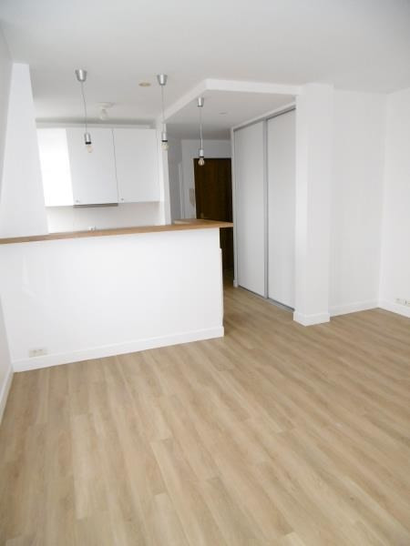 Rental apartment Levallois 1212€ CC - Picture 3