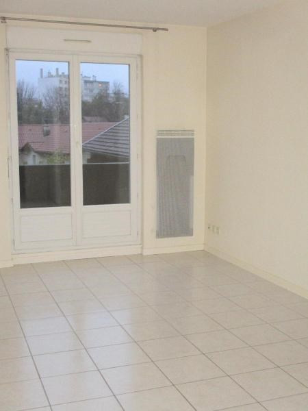 Location appartement Grenoble 380€ CC - Photo 2
