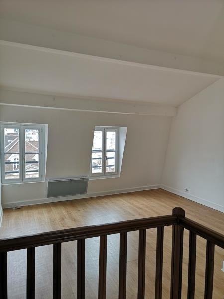 Location appartement Paris 4ème 1780€ CC - Photo 6