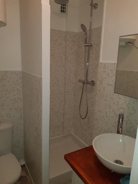 Location appartement Paris 16ème 850€ CC - Photo 5
