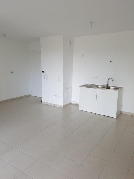 Location appartement St leu la foret 931€ CC - Photo 2