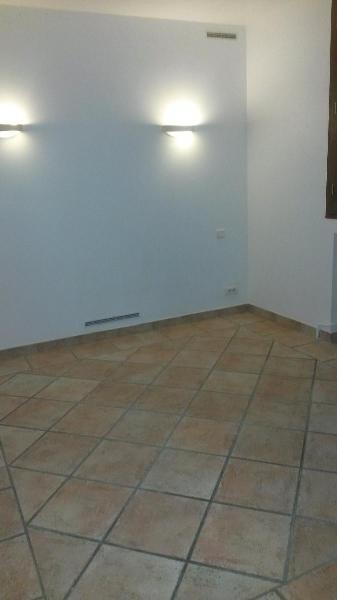 Location appartement Aix en provence 884€ CC - Photo 7