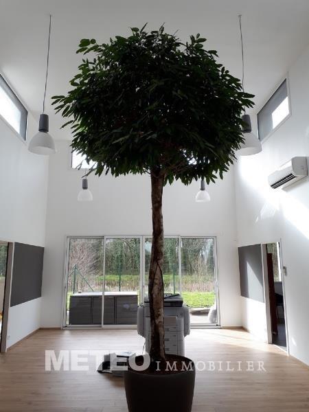 Sale empty room/storage Challans 437600€ - Picture 1
