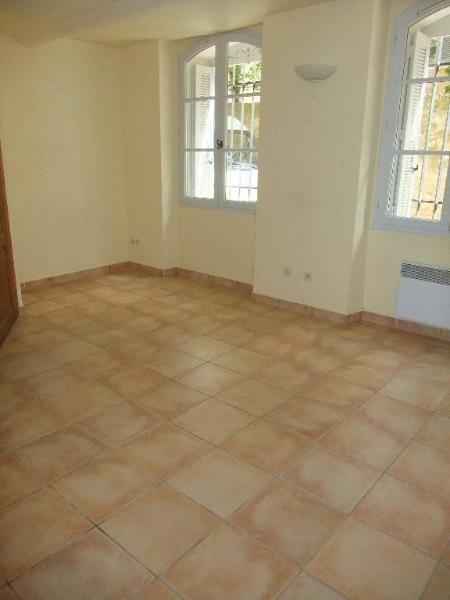 Rental apartment Aix en provence 558€ CC - Picture 1