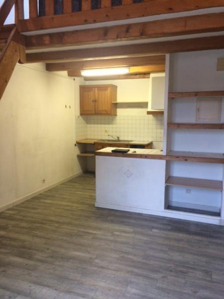 Rental apartment Fuveau 695€ CC - Picture 3