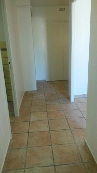 Location appartement Aix en provence 884€ CC - Photo 9