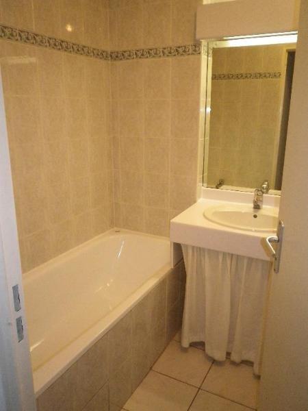Location appartement Aix en provence 1030€ CC - Photo 3