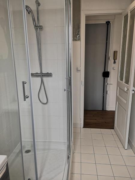Location appartement Paris 20ème 1200€ CC - Photo 5