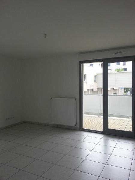 Rental apartment St etienne 660€ CC - Picture 7