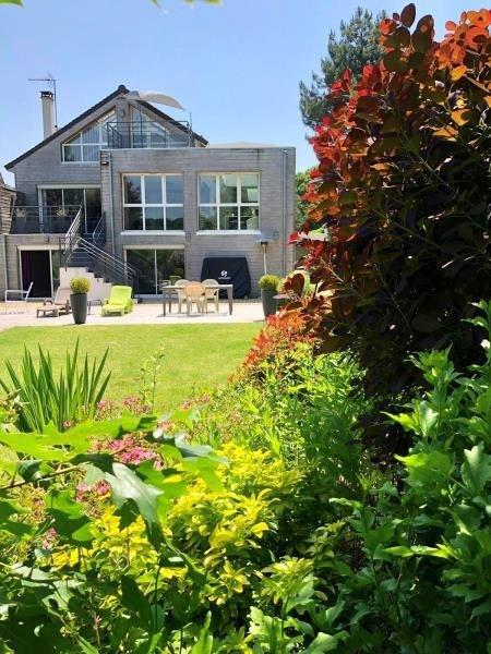 Deluxe sale house / villa Montfort l amaury 880000€ - Picture 2