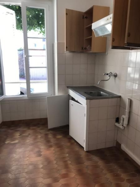 Rental apartment St cyr l ecole 790€ CC - Picture 3
