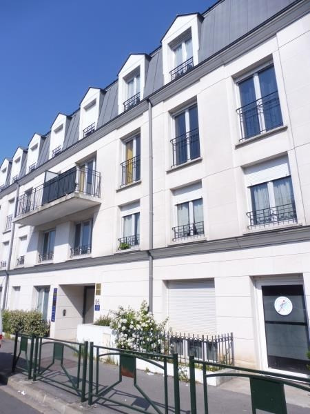 Rental apartment Le raincy 620€ CC - Picture 1