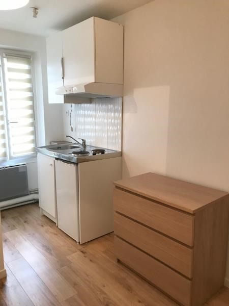 Location appartement Paris 2ème 680€ CC - Photo 3