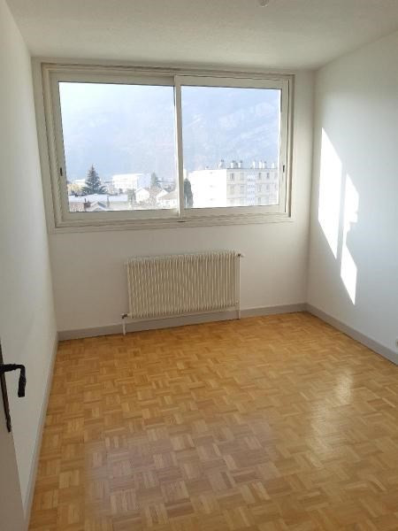 Location appartement Fontaine 600€ CC - Photo 7