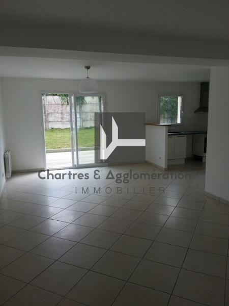 Rental house / villa Chartres 964€ CC - Picture 3