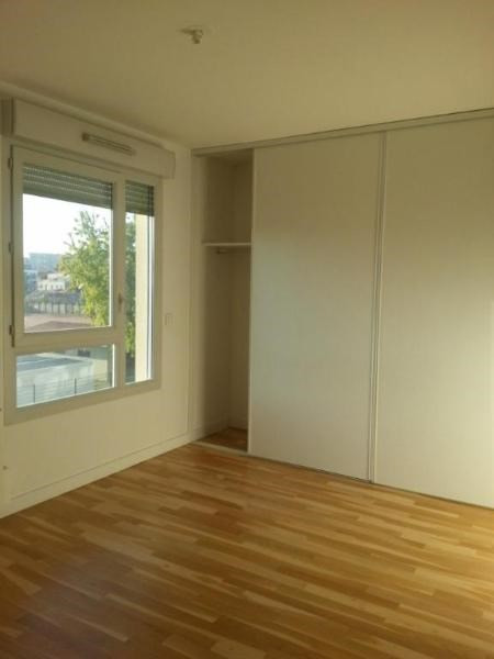 Location appartement Lyon 8ème 1141€ CC - Photo 5