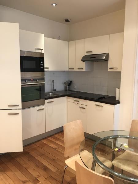Rental apartment Lyon 6ème 882€ CC - Picture 2