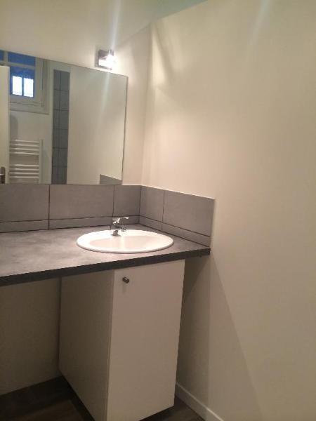 Location appartement Aix en provence 870€ CC - Photo 2