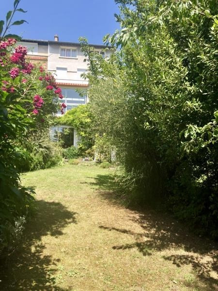 Deluxe sale house / villa Suresnes 1742000€ - Picture 1