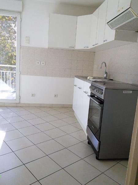 Location appartement La tronche 958€ CC - Photo 2