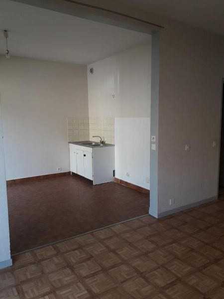 Sale apartment Vichy 59950€ - Picture 3