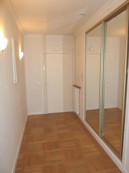 Rental apartment Garches 1 500€ CC - Picture 2