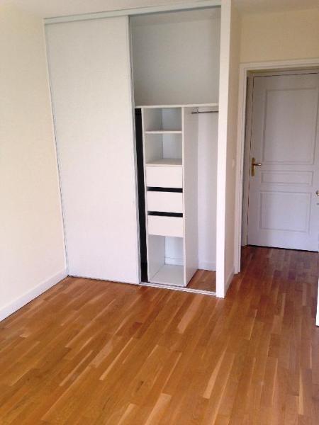 Rental apartment Tassin la demi lune 913€ CC - Picture 2