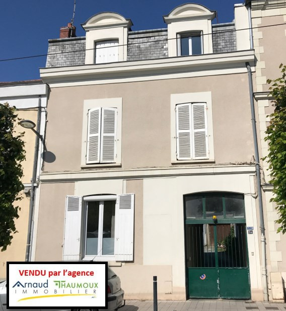 Sale building Angers 696800€ - Picture 1