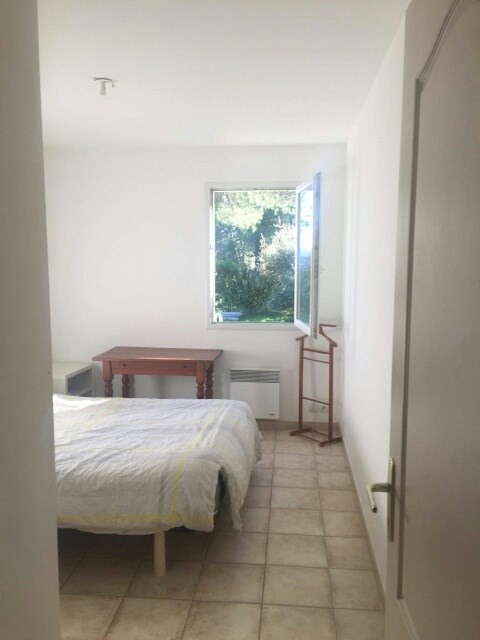 Location maison / villa Lambesc 1 180€ CC - Photo 11