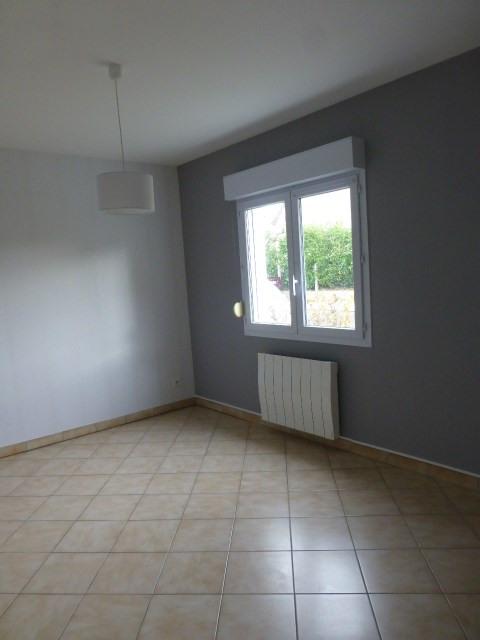 Rental apartment Freneuse 785€ CC - Picture 3