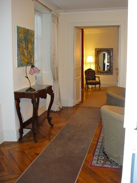 Location appartement Fontainebleau 2 402€ CC - Photo 12