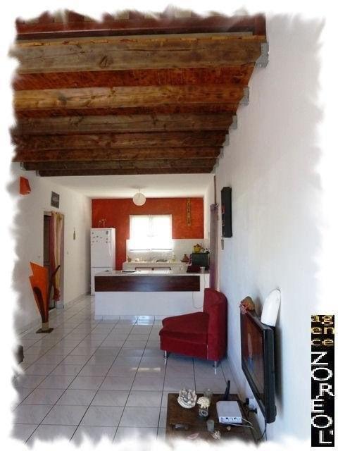 Location maison / villa Petite ile 790€ CC - Photo 3