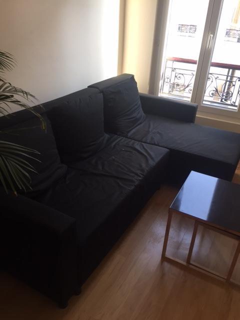 Rental apartment Paris 18ème 867€ CC - Picture 1