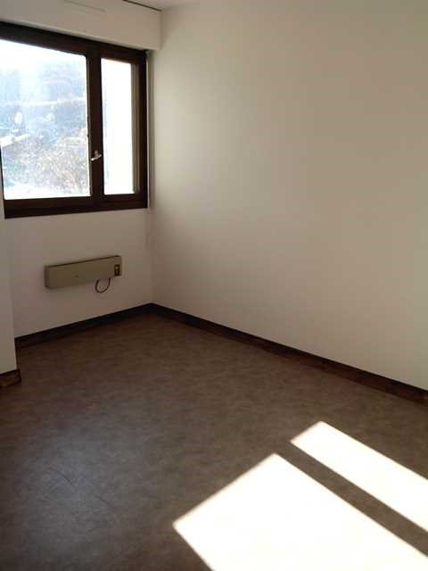 Location appartement Sallanches 570€ CC - Photo 3