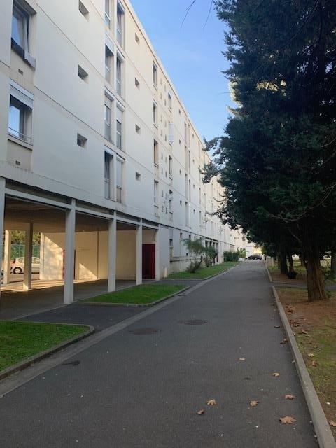 Sale apartment Villeneuve la garenne 183 000€ - Picture 1