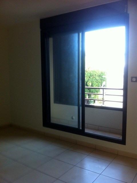 Location appartement Ste clotilde 347€ CC - Photo 3