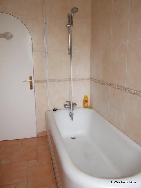 Sale house / villa Plouneour menez 187250€ - Picture 12