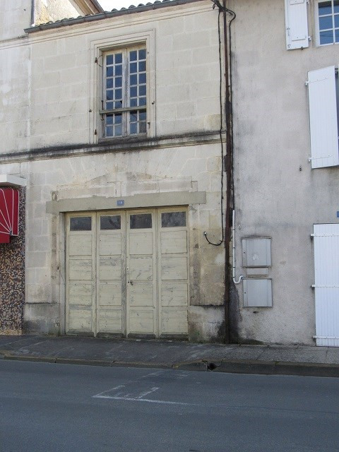 Sale parking spaces Saint jean d angely 22 500€ - Picture 1
