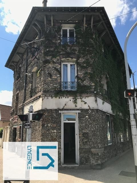 Vente local commercial Poissy 222 600€ - Photo 1