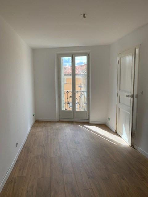 Studio d'environ 32 m² centre ville Lambesc