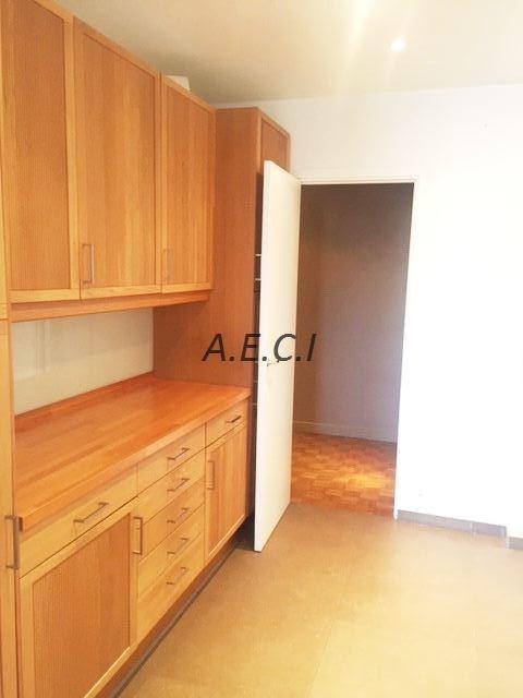 Location appartement Neuilly-sur-seine 3870€ CC - Photo 6