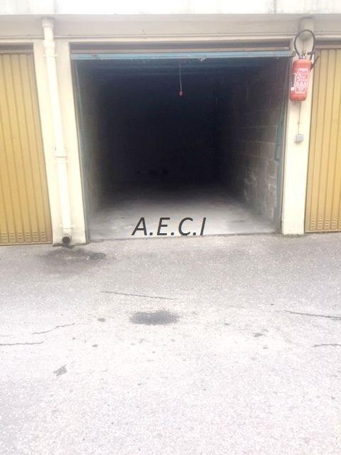 Rental parking spaces Asnières-sur-seine 115€ CC - Picture 3