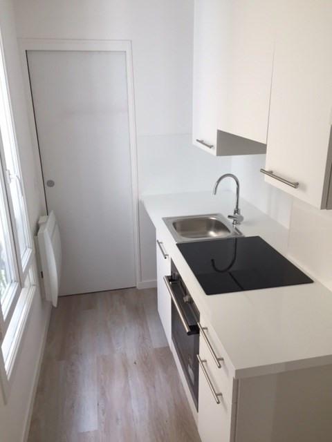 Rental apartment Levallois perret 1115€ CC - Picture 2