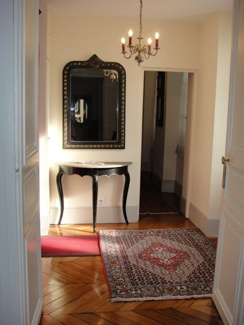 Location appartement Fontainebleau 2 402€ CC - Photo 1