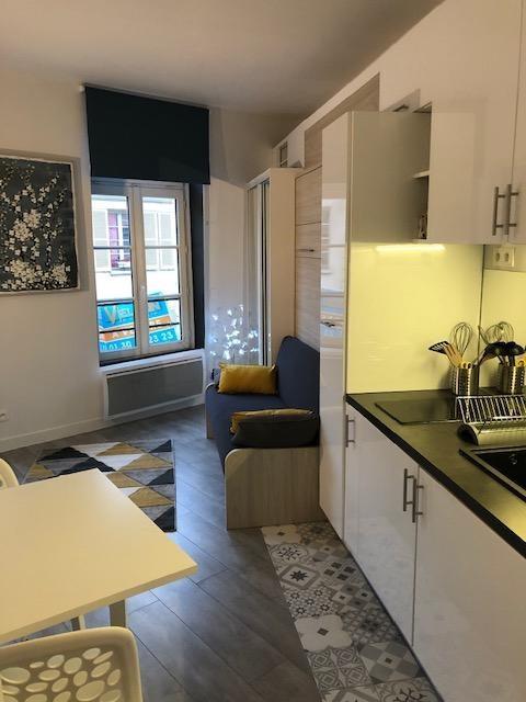 Location appartement Saint germain en laye 820€ CC - Photo 2