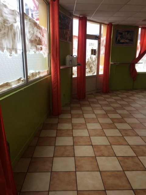 Location local commercial Lisieux 750€ HT/HC - Photo 2