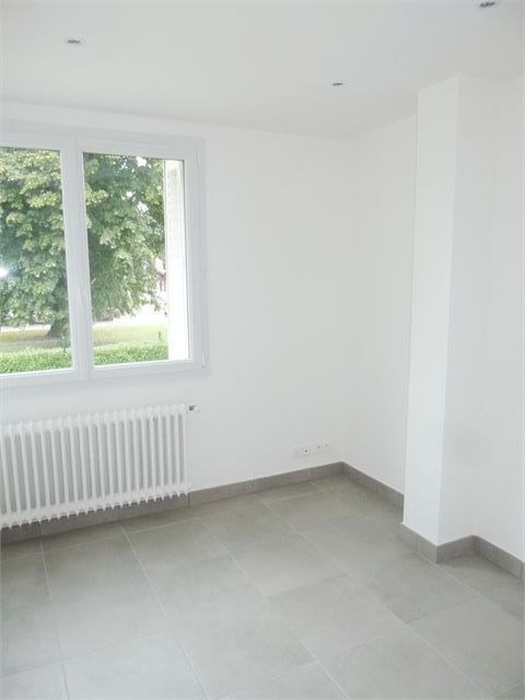 Rental apartment Annecy 825€ CC - Picture 1