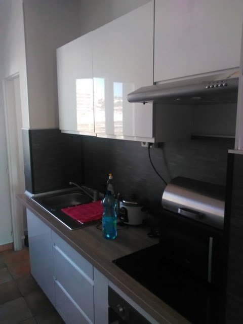 Location appartement Marseille 8ème 820€ CC - Photo 2