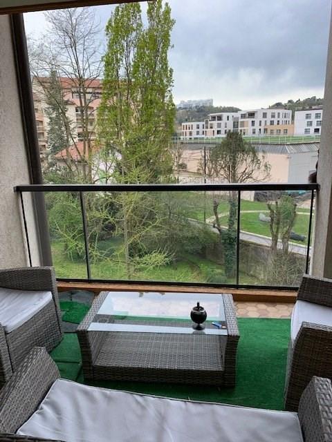Sale apartment Lyon 4ème 247000€ - Picture 1