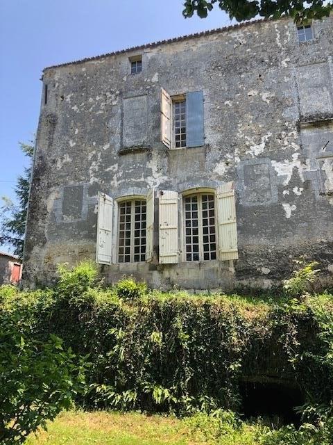 Deluxe sale chateau St andre de cubzac 493000€ - Picture 2